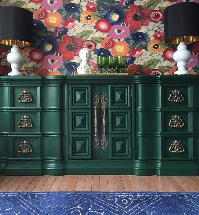 Gorgeous green furniture makeovers from a group of really talented bloggers. Great DIY furniture makeovers, love all of the different paint options!